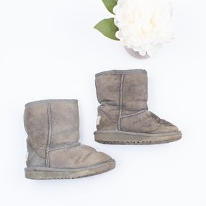 0ea2018ff03 Ugg Boots Grey Kids size 10 5251T Toddler classic